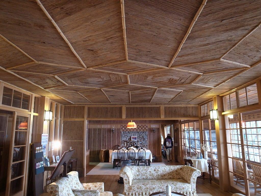 杉皮の天井